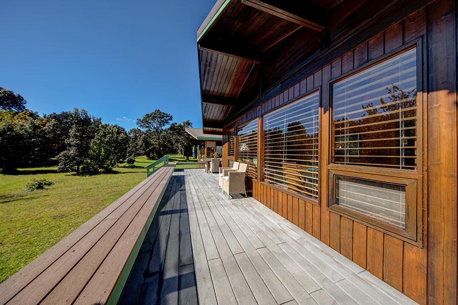 Pi'i Mauna House deck