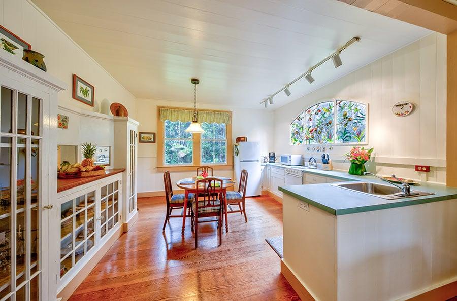 Tutu's Place kitchen