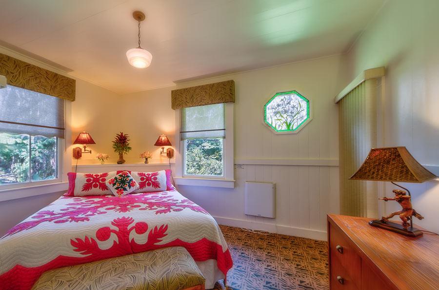 Tutu's Place bedroom