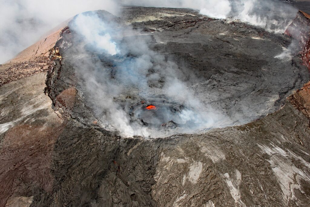 Is a Hawaii vacation safe when the volcano is erupting?